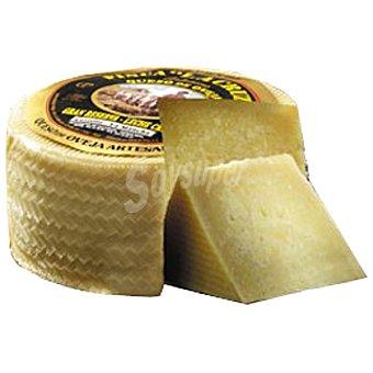 FINCA LA CRUZ Queso curado artesano de leche cruda de oveja  3 kg (peso aproximado pieza)