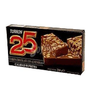 25 Turrón de chocolate con almendras 200 g