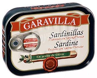 Cuca Sardinillas Reserva de Familia frescas de campaña en aceite de oliva Lata de 81 g neto escurrido