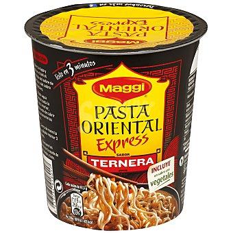 Maggi Pasta oriental con sabor a ternera, incluye vegetales Vaso 61.5 gramos