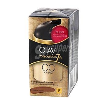 Olay Crema Total Effects de medio a oscuro 50 ml