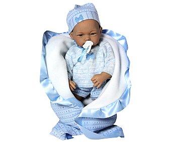 GUCA Entrañable Bebé con Traje de Lana y Mantita de Color Azul 1 Unidad