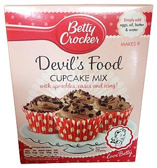 BETTY CROCKE Preparado de cupcake devil´s food sabor chocolate (incluye moldes, cobertura chocolate y pepitas de decorar)  Paquete de 301 g