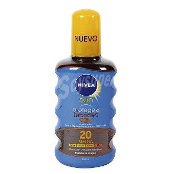 NIVEA SUN Protege & broncea aceite solar FP-20 resistente al agua  spray 200 ml