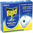 Insecticida volador eléctrico Night & Day mosquitos comunes y tigre recambio Caja 1 unidad Raid