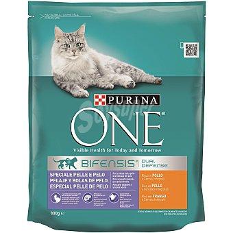 Purina One Alimento para gatos control bolas de pelo rico en pollo 800 gr