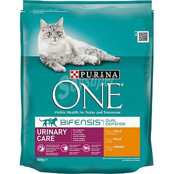 One Purina Alimento especial para gatos rico en pollo y trigo para un tracto urinario saludable  envase 800 g