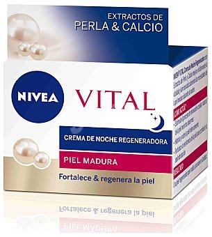 NIVEA VITAL Crema de noche antiarrugas (regenera la piel y reduce las arrugas) para piel madura 50 mililitros