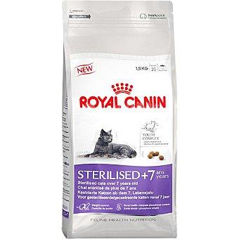 ROYAL CANIN STERILISED + 7 Alimento especial para gato adulto esterilizado con tendencia al sobrepeso de + 7 años bolsa 15 kg Bolsa 15 kg
