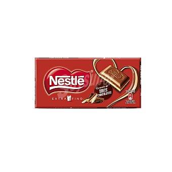 Extrafino Nestlé Chocolate con leche relleno de tres chocolates Tableta 120 g
