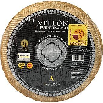 Vellón de Fuetesaúco Queso elaborado con leche cruda de oveja D.O. Zamorano 100 g (venta mínima a granel) 2,850 kg (peso aprox pieza)