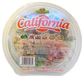 Verdifresh Ensalada california (escarola, radicchio, canonigos, nuez, pasas, cebolla, bacon, picatostes, salsa miel mostaza Y tenedor) Tarrina 192 g