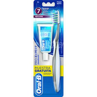 ORAL B Cepillo dental Cross Act. comp. medio pack 1 unid
