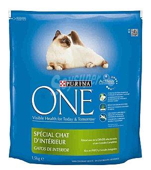 One Purina Especial gatos de interior con pavo y arroz Paquete 15 kg