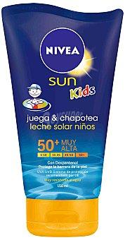 Nivea Sun Leche solar niños FP-50 muy resistente al agua Juega & Chapotea Tubo 150 ml