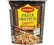 Pasta oriental (fideos fritos) sabor pollo (incluye sobre vegetales) Vaso 61,5 g Maggi Fusian