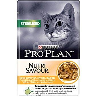 Purina Pro Plan NUTRI SAVOUR alimento húmedo para gatos esterilizados con pollo en salsa  envase 85 g