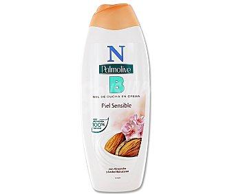 NB Palmolive Gel de baño o ducha en crema con almendra y leche hidratante, especial para piel sensible 600 mililitros