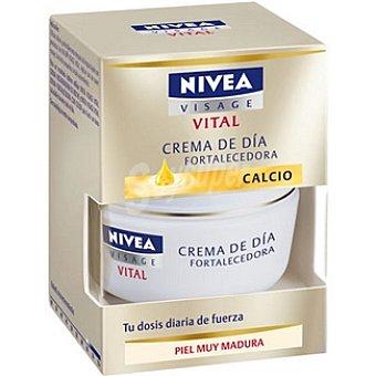 Nivea Crema hidratante de día fortalecedora con Calcio piel muy madura Vital Tarro 50 ml