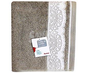 AUCHAN Toalla de algodón para lavabo, estamapado jacquard color marrón visón, 50 x100 centímetros, densidad de 500 gramos/m² 1 Unidad
