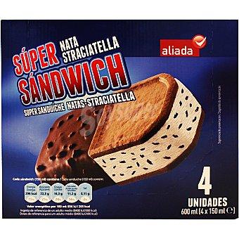 Aliada Super sandwich helado sabor nata y straciatella 4 unidades estuche 600 ml 4 unidades