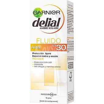 Delial Garnier Fluido facial solar especial rostro y escote FP-30 Tubo 50 ml