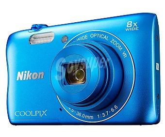 """NIKON S3700 KIT Cámara compacta 20.1 Megapixeles, Zoom óptico 4x, pantalla 2.7"""", incluye funda de transporte y tarjeta de memoria de 16GB, color azul."""
