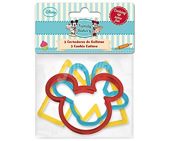 DISNEY Set de 3 cortadores de galletas con forma de M, cara y mano de Mickey Mouse, modelo Family Bakery 3 unidades