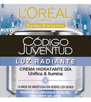 Código Juventud L'Oréal Paris  Crema Derm Expert Luz radiante F50 1 ud