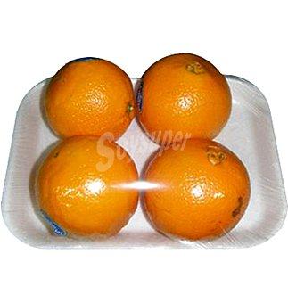 Condis Naranja extra granel en Bandeja de 4 unidades 1 kg