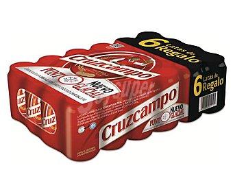 Cruzcampo Cerveza joven tipo lager y estilo pilsen de color rubio 33cl x 24u