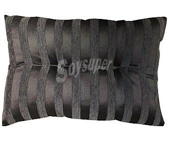 AUCHAN Cojín de chenilla color gris estampado rayas, 37x57 centímetros 1 Unidad