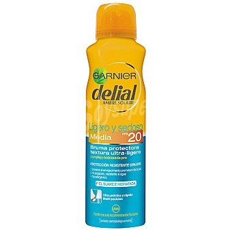 Delial Garnier Ligero y sedoso bruma protectora ultra-ligera FP-20 piel suave e hidratada resistente al agua Spray 150 ml
