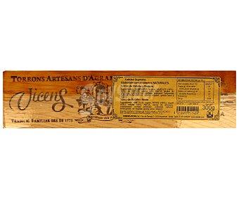 Vicens Turrón de praliné con licor de ratafia, torrons,, 300 gramos
