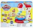 Batidora de postres Kitchen Creations, juego de plastilina para moldear, incluye accesorios y 5 botes play-doh  Playdoh