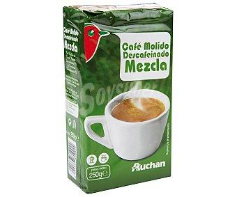 Auchan Café molido de tueste natural descafeinado (50%) y torrefacto descafeinado (50%) 250 gr