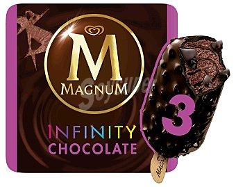 Magnum Frigo Helado bombón de chocolate negro con remolinos de salsa de chocolate de Tanzania, recubierto de una gruesa capa de chocolate negro (60% cacao) con auténticos trozos de habas de cacao Pack de 3 unidades de 100 mililitros