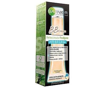 GARNIER SKIN NATURALS BB Cream Perfeccionador Prodigioso todo en uno con un toque de color claro tubo 40 ml para pieles mixtas a grasas Tubo 40 ml