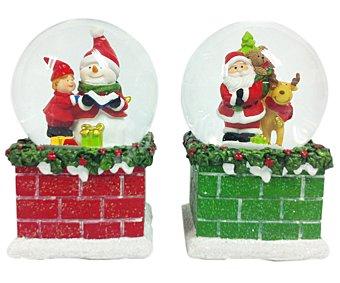 Adorno Bola de nieve de 10 centímetros, con muñecos de cuerpo entero en su interior, .