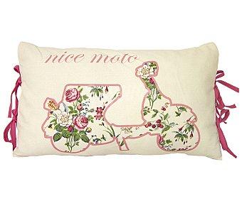 Auchan Cojín 100% algodón color rosa y beige con estampado bicicleta y lazos, 30x50 centímetros 1 unidad