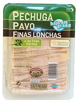 Hacendado Fiambre pechuga pavo finas hierbas lonchas finas Paquete 200 g