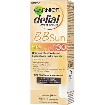 Delial Garnier Crema protectora facial con color especial rostro y escote FP-30 BB Sun Tubo 50 ml