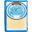 Queso semicurado de vaca light elaborado con leche pasteurizada en lonchas Mahón Envase 150 g Coinga