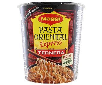 MAGGI Pasta oriental (fideos fritos) con sabor a ternera (incluye un sobre con vegetales) 61,5 gramos