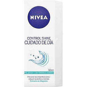 Nivea Control Shine, crema hidratante cuidado de día anti-brillos con extracto de magnolia Tubo 50 ml