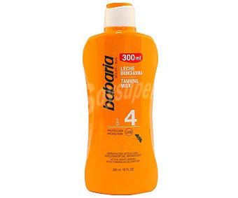 Babaria Leche hidratante y aceleradora del bronceado con factor de protección 4 (muy bajo) 300 ml