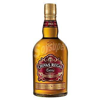 Chivas Regal Whisky blended de maltas raras, mezclado, envejecido y embotellado en Escocia extra Botella de 70 cl