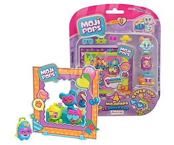 Magicbox Set de figuras de Monjipops compuesto por 4 figuras mojipops, variedad de accesorios y escenario,