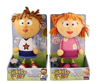 FAMOSA Peluches que hablan Tickety Toc, Tommy o Tallulah, 25 cm de alto 1 unidad
