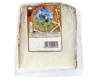 QUESOS FLOR VALSEQUILLO Queso de cabra semicurado al pimentón de Canarias 300 gramos